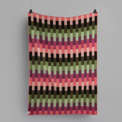 AASMUND-BOLD_THROW_PINK-GREEN_4151_FRONT-500x500