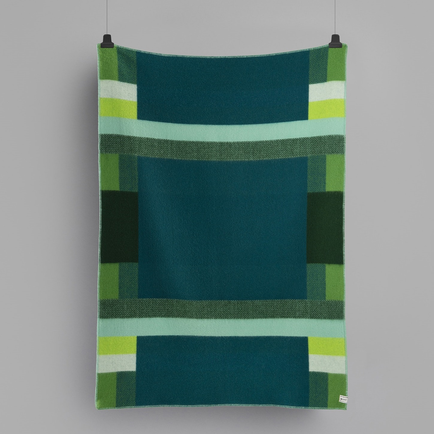 MIKKEL_THROW_GREEN_3753_BACK